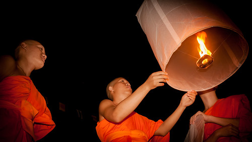 2013-11-17 Thailand Day 10, Chiang Mai Yee Peng Festival 2013 | by Qsimple, Memories For The Future Photography