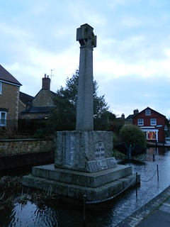 Castle Cary: War Memorial (Somerset) | by michaelday_bath