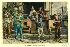 Napoli MANGIAMACCHERONI ~ 1900. Il Piatto tradizionale nepoletano sta nei maccheroni.