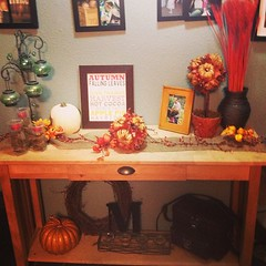 My entryway table, all decorated for fall #firstdayoffall #pumpkin #fallcolors #letthefunbegin #harvest #autumn