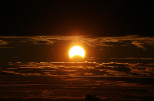 newyorkcity sun newyork clouds sunrise eclipse queens gothamist solareclipse partialeclipse