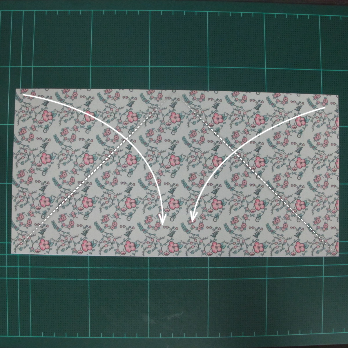 วิธีพับกระดาษรูปหัวใจคู่ (Origami Double Heart)  003