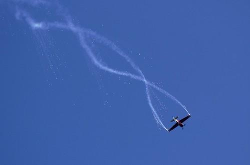330 airshow extra pyrotechnics oldwarden giihi extra330lt