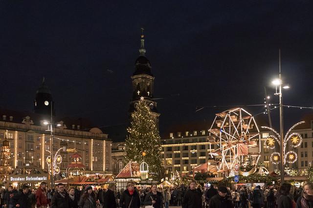 Dresden: Striezelmarkt am Abend - Striezelmarkt in the evening