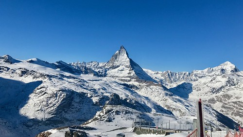 Skiing in Cervinia   by ndimmock
