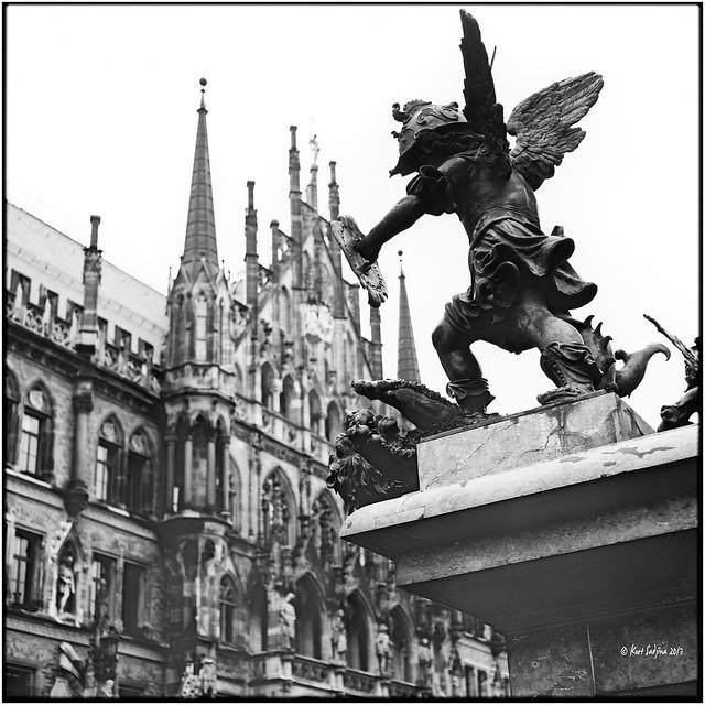 Marienplatz und Neues Rathaus_Mamiya C330s