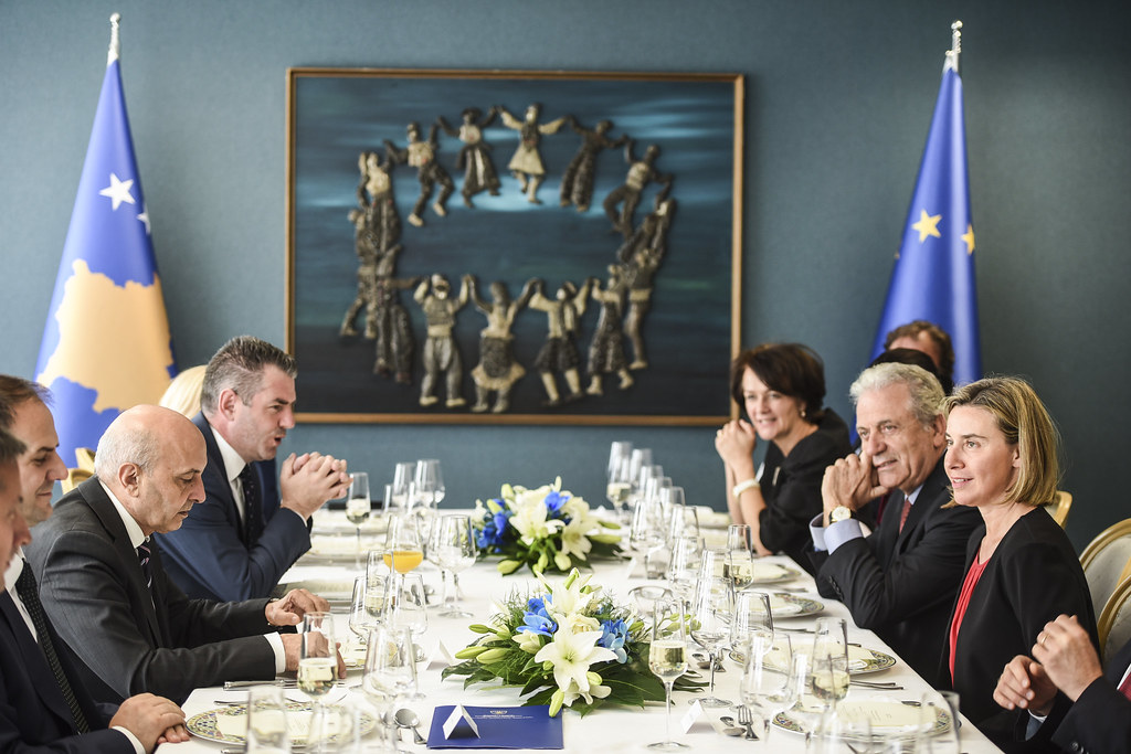 Visit by Federica Mogherini and Dimitris Avramopoulos to Kosovo