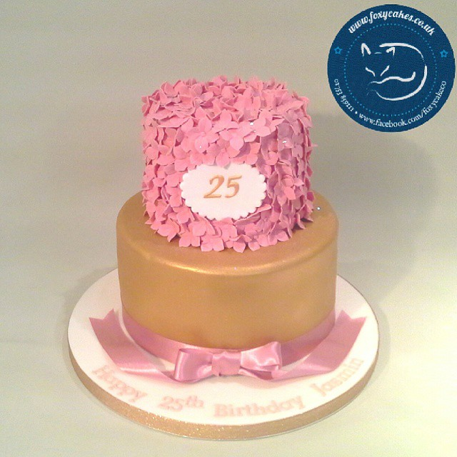 Remarkable A Stunning 25Th Birthday Cake Cake Thefoxycakeco Winds Flickr Funny Birthday Cards Online Inifofree Goldxyz