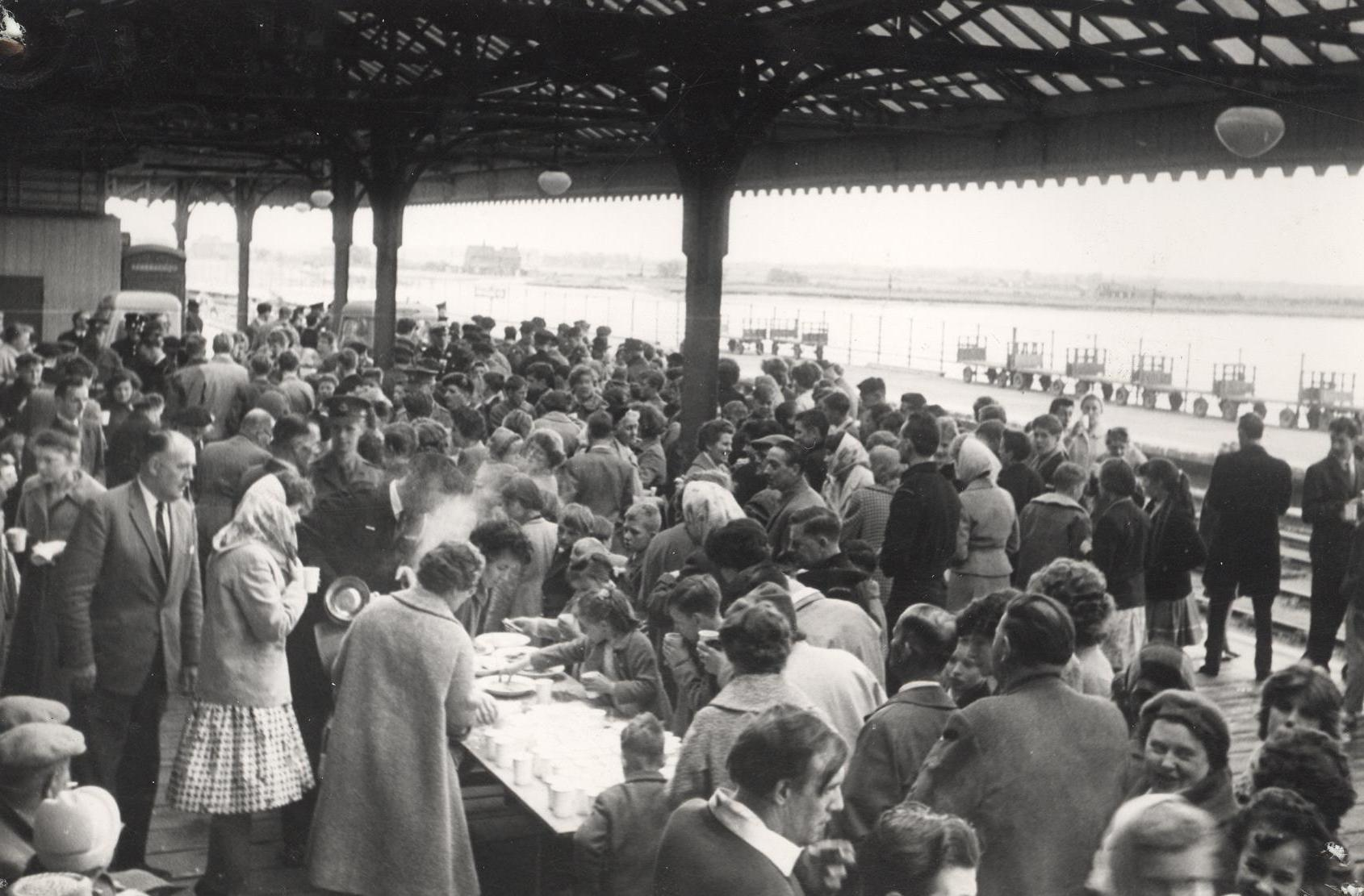 Queuing for a meal during Exercise Exodus, Hull 28 May 1961 (archive ref CD-103) (26)