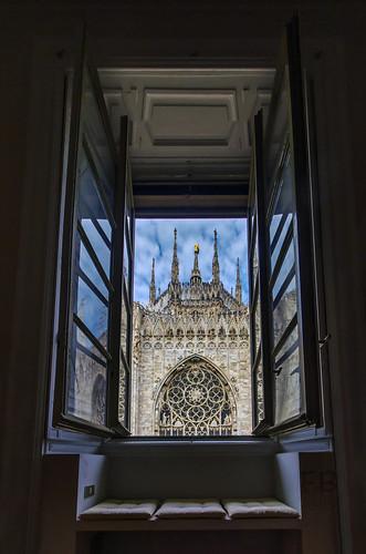 milano milan duomo cathedral architecture building church gothic filippo filippobianchi d7000 hdr sigma1020 window finestra view room camera