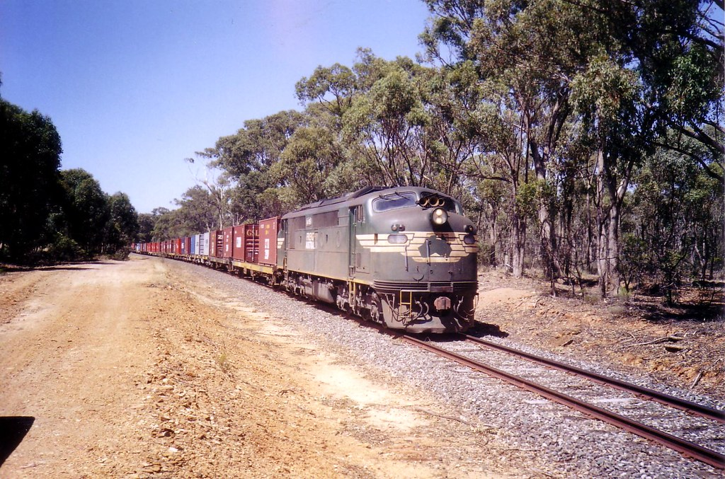 A85 on a diverted Denni 9084 freight by bukk05