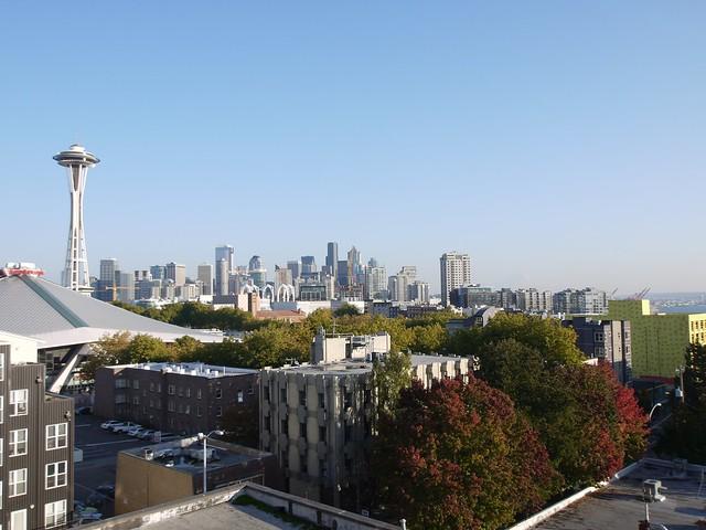 月, 2013-10-14 16:48 - 宿の屋上より