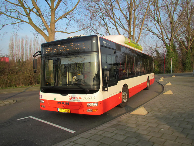 Veolia bus 6676 Delft NS