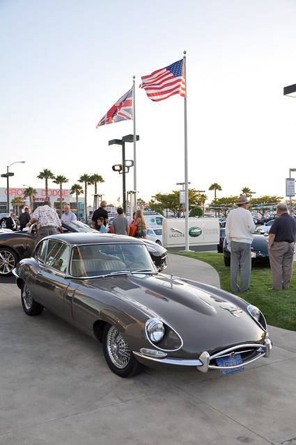 Jaguar E-Type 2+2