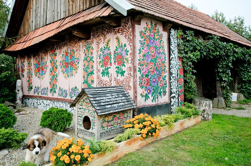 Zalipie specific ornamentation tradition.