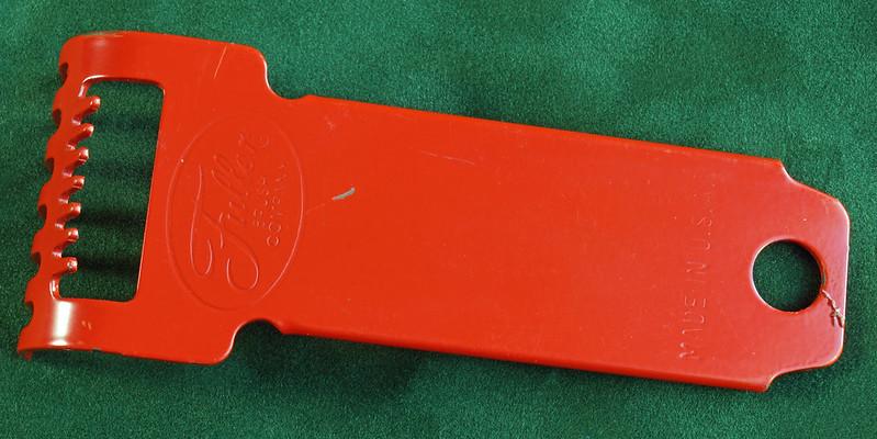 RD2835 Vintage Fuller Brush Co Brush Rake Cleaner DSC05397