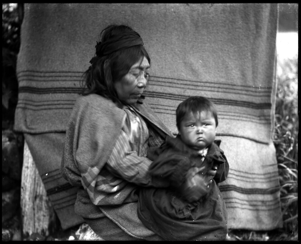 Kwakiutl woman and grandson VPL 14068A | Quatsino Indian ...
