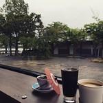 출발하기전에 아라시야마에서 마지막으로 한껏 여유를!!!  아~ 좋다💛 비도 오고 여유 만땅!! 현실은 멀고 먼 공항 가는길 ㅠㅠ  #嵐山 #kyoto #関西 #ようこう #여행