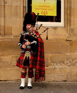 Piper in Edinburgh