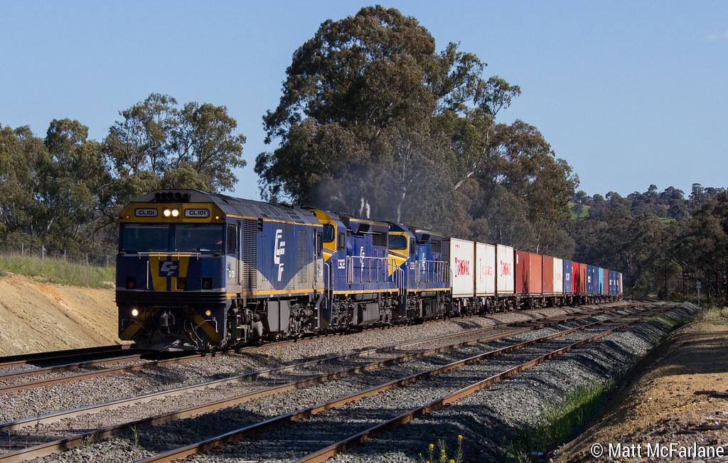 7MC1 QUBE Logistics Intermodal by Matt McFarlane