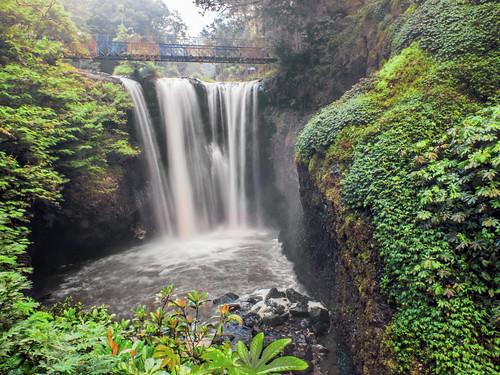 geotagged waterfall rocks stones rocky waterfalls batu airterjun maribaya curug curugomas curugciomas
