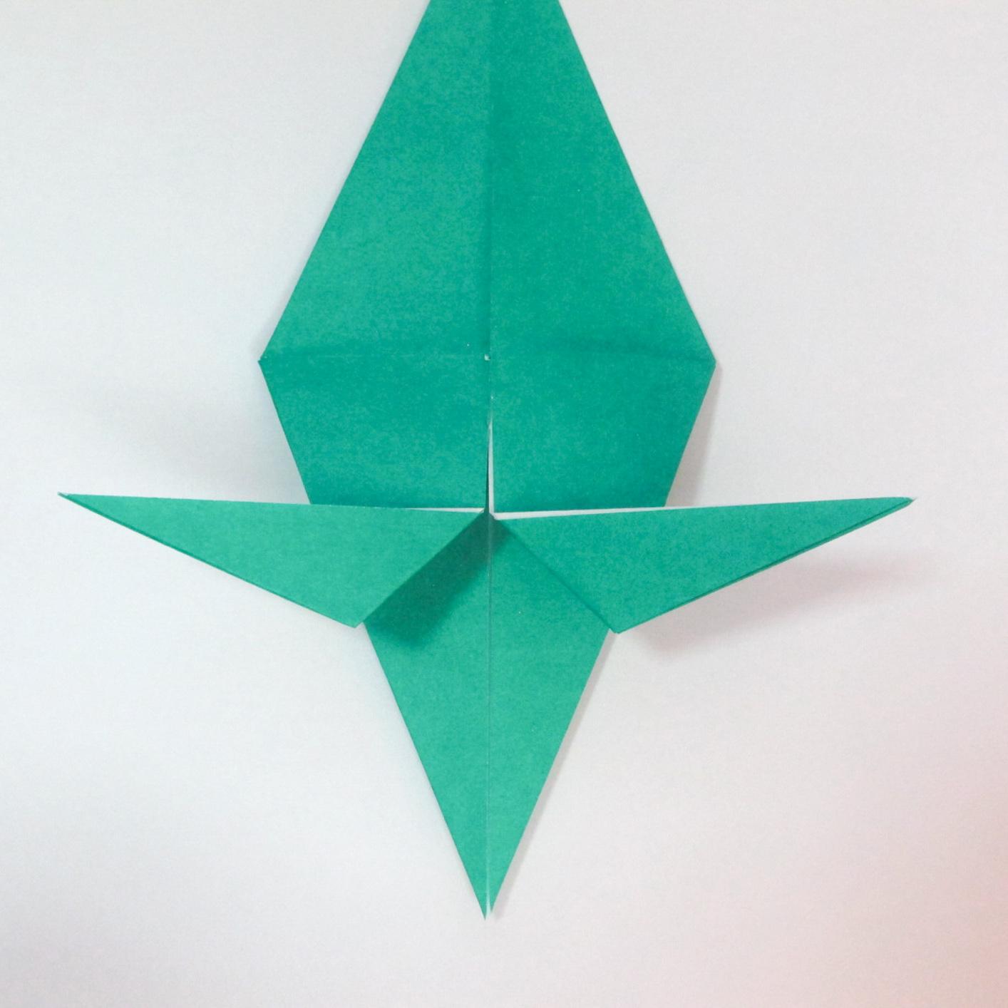 สอนวิธีการพับกระดาษเป็นรูปปลาฉลาม (Origami Shark) 023