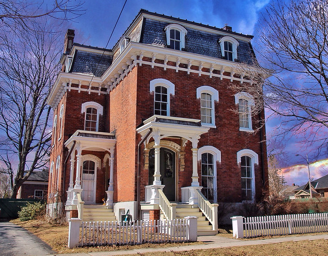 Port Hope Ontario Canada ~ Heritage Districtt ~ Queen Anne ~ Victorian House
