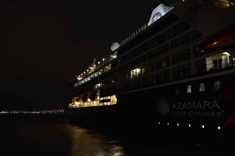 Accostage du paquebot AZAMARA QUEST  - Bordeaux - 19 aout 2013