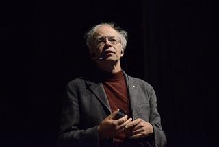 Peter Singer no Fronteiras do Pensamento Porto Alegre | by fronteirasweb