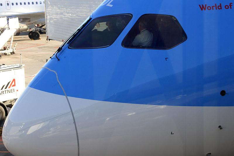 Boeing 787-8 Dreamliner – Jetairfly (TUI Airlines Belgium) – OO-JDL – Brussels Airport (BRU EBBR) – 2013 12 10 – Parked – 01 – Copyright © 2013 Ivan Coninx Photography