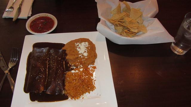 IMG_6442 Rudys goleta Paloma chocolate mole enchilada