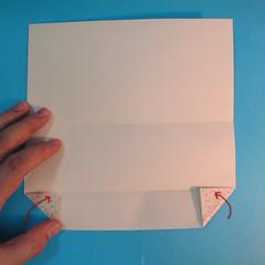 วิธีพับกระดาษเป็นผีเสื้อหางแฉก 008