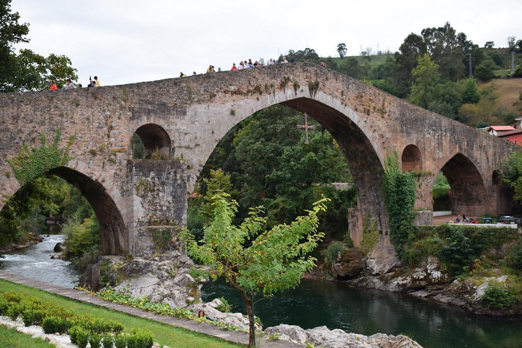 Roman Bridge Puente Romano Cangas de Onís (Asturias, España)