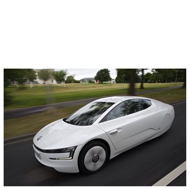 Volkswagen Debuts XL1 Super Fuel Efficient Sports Car #Aut