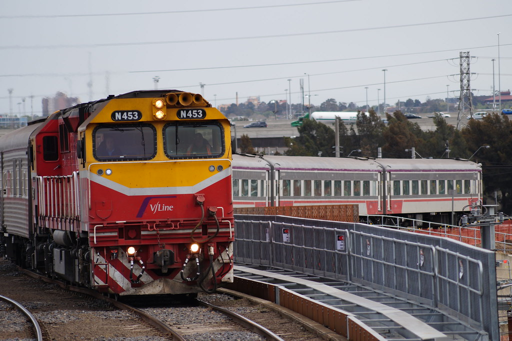 N453 on 8610 at North Melbourne by contrillion