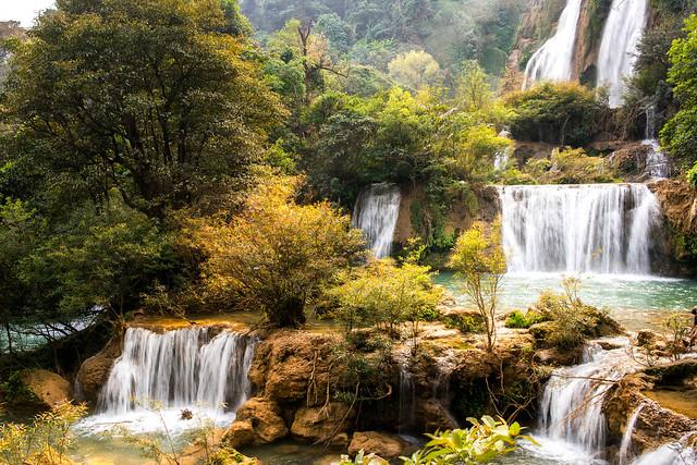 Tee Lor Su waterfall,Thailand.jpg