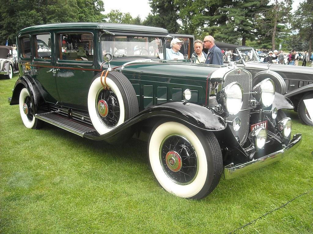 1930 Cadillac V