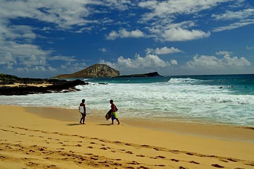 hawaii oahu makapuu makapuubeachpark sky clouds ocean pacificocean rabbitisland shoreline surf nikon nikond3200 d3200