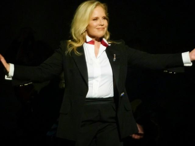 Sylvie Vartan - Sylvie À La Folie - Les Folies Bergère, Paris (2014)