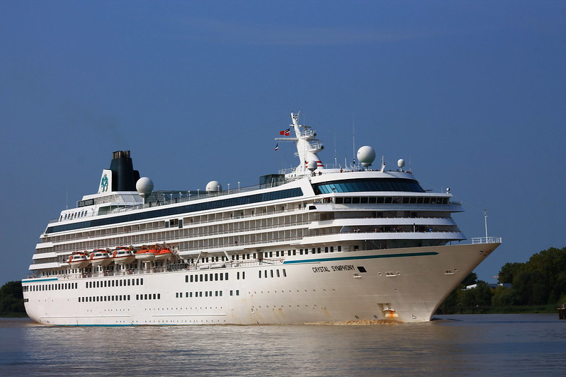 MS CRYSTAL SYMPHONY leaving Bordeaux to Le Verdon - Lormont - 27 aout 2013