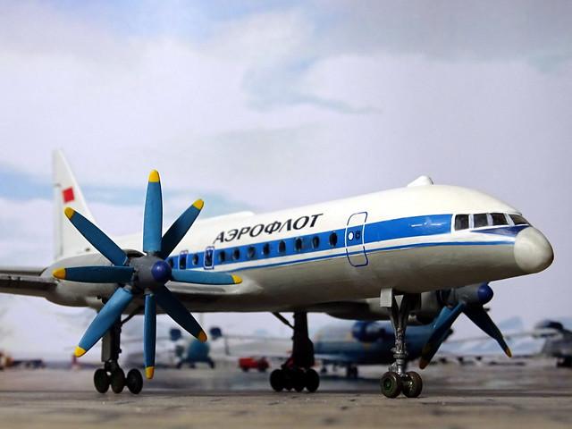 1:144 Ilyushin Il-60A (NATO ASCC code: Cake); aircraft