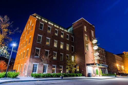 building architecture common man inn hotel outside street long exposure night brick mill old modern wide angle ultra claremont new hampshire nh nikon d7000 tokina 1224f4 bluehour longexposure