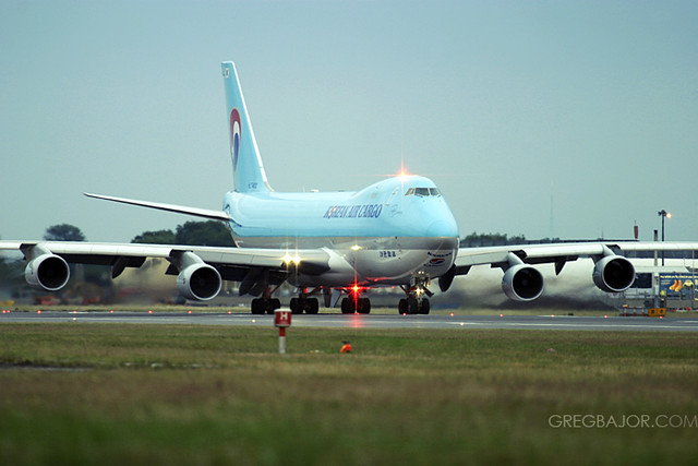 Korean Air Cargo Boeing 747