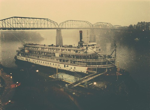 mist chattanooga rain fog lights flickr tennessee foggy retro riverboat lamps steamboat walnutstreetbridge past tennesseeriver grayclouds bluffview coolidgepark deltaqueen
