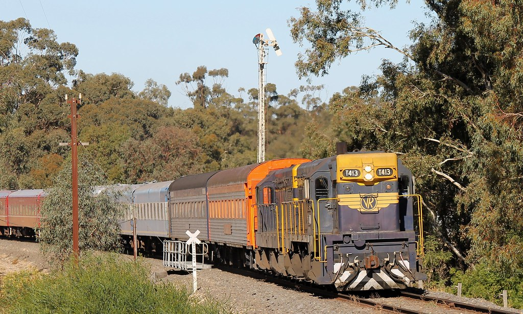 T413-T320 past St Arnaud Home Stick by S312 Photography