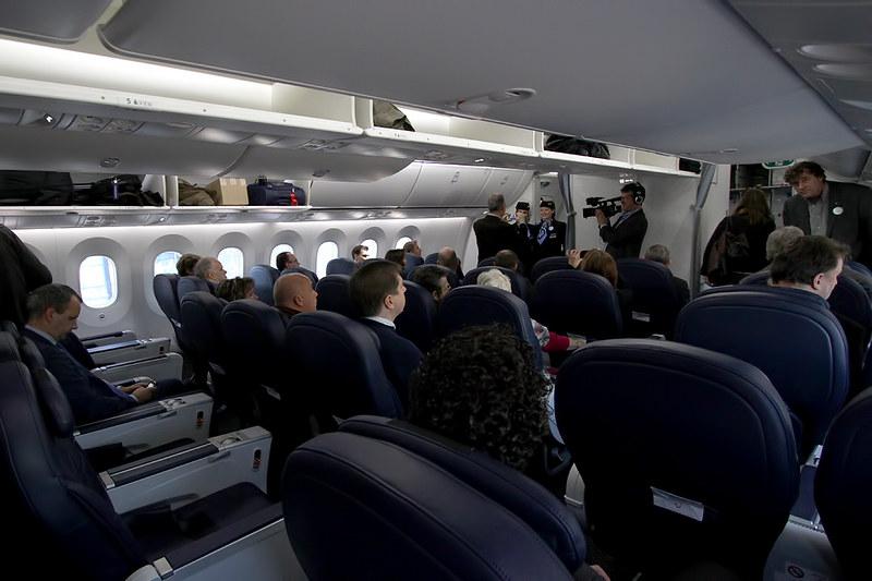 Boeing 787-8 Dreamliner – Jetairfly (TUI Airlines Belgium) – OO-JDL – Brussels Airport (BRU EBBR) – 2013 12 10 – Parked – 03 – Copyright © 2013 Ivan Coninx Photography