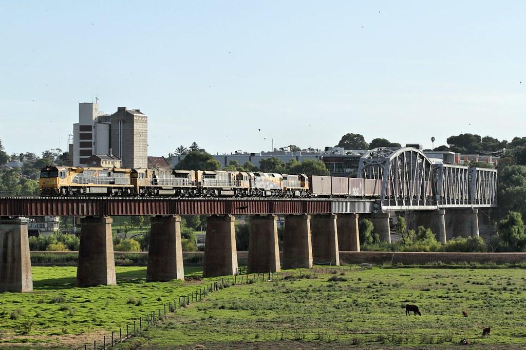 6003 LDP005 LDP007 42206 X54 6PM1 Murray Bridge 18 01 2015 by Daven Walters