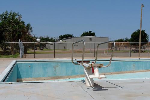 hollis hollisok oklahoma usa pool emptypool outdoor closedpool swimmingpool publicpool blue dnysmphotography dnysmsmugmugcom