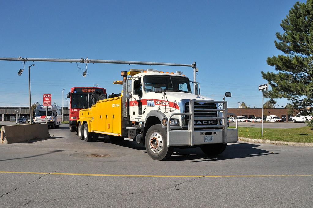 Tow Truck Ottawa >> Oc Transpo 5e 3265 Mack Heavy Duty Tow Truck Pulling Bus 5 Flickr