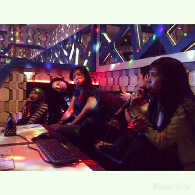 fckg #angel #me #with #girls #latepost #happy #sing #song… | Flickr